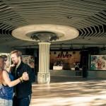 Dansande par på dansbana - Liseberg