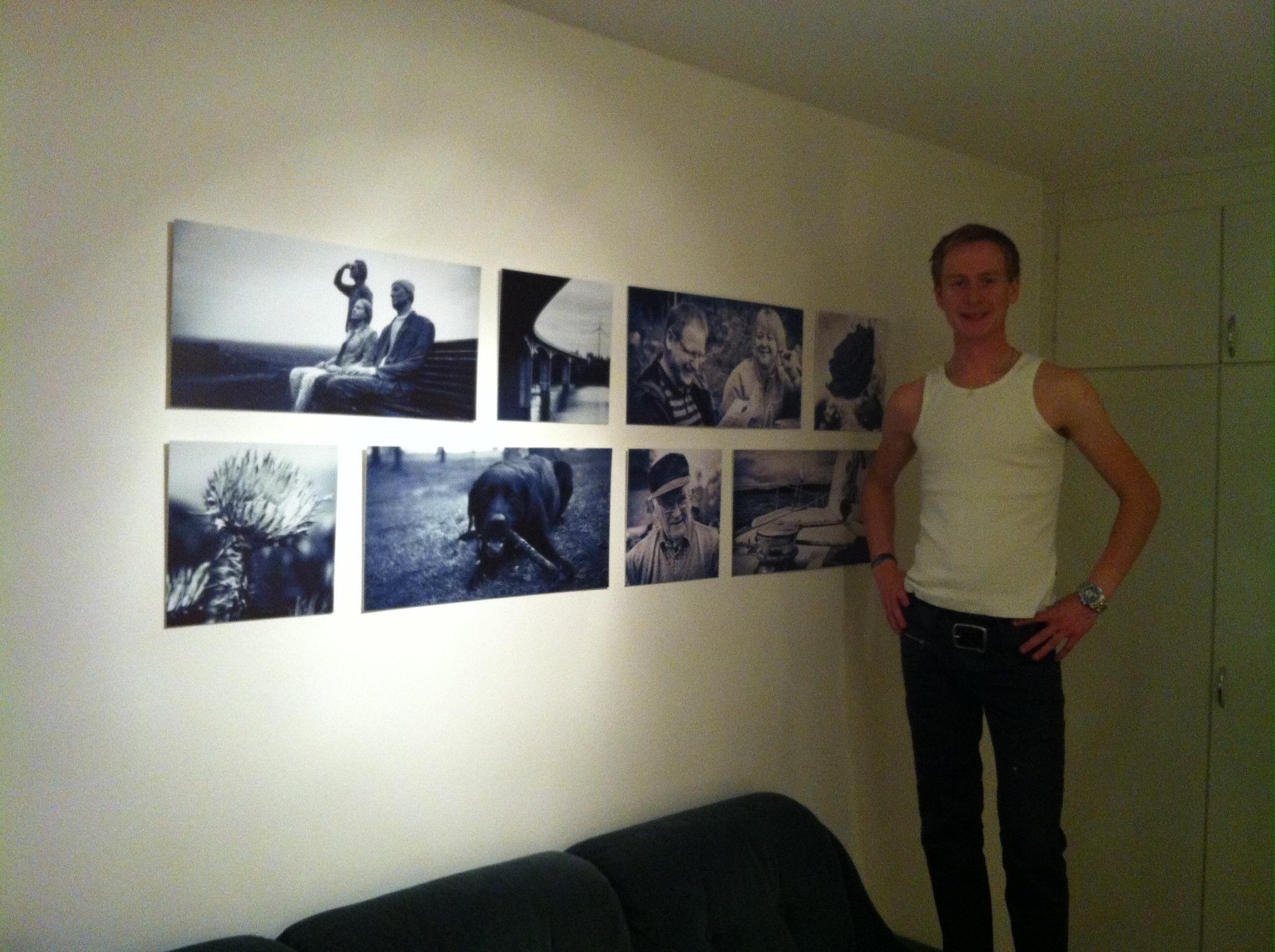 Tavlor monterade på vägg